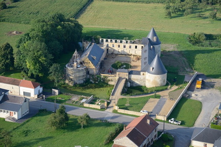 01-Charbogne-Chateau
